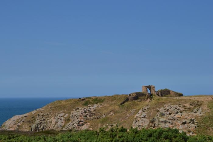 1 castle far