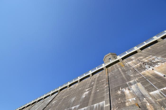 3 dam sky