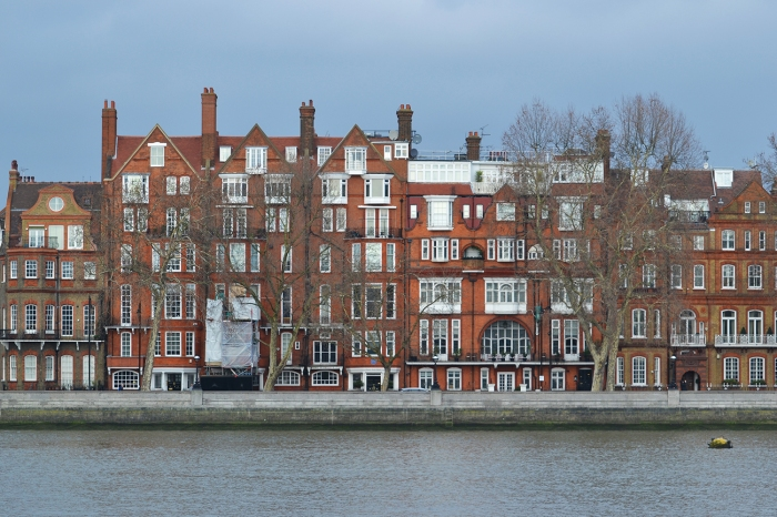 Building on Thames